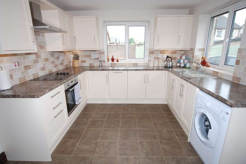 4 Bedrooms Detached Bungalow for sale in Lord Street, Askam-in-Furness, LA16 7AQ