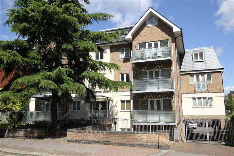 2 Bedrooms Penthouse Flat for sale in Station Road, New Barnet, Herts, EN5