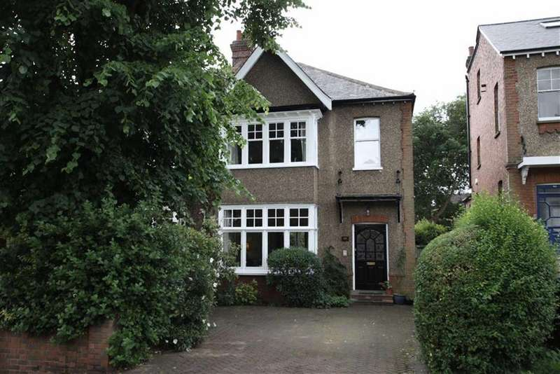 4 Bedrooms Semi Detached House for sale in Richmond Road, New Barnet, Herts, EN5