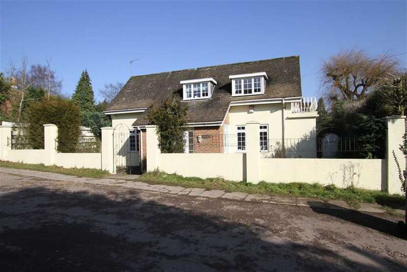 5 Bedrooms Detached House for sale in Arkley Drive, Arkley, Herts, EN5