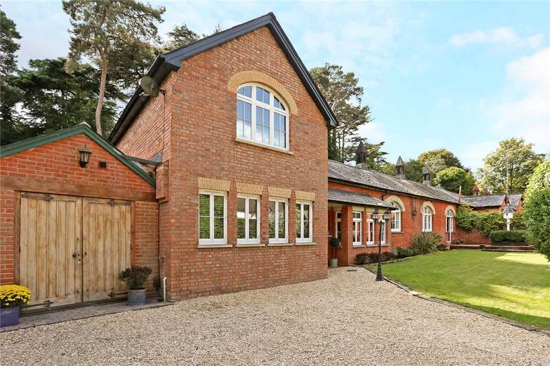 5 Bedrooms House for sale in Sycamore Road, Farnborough, Hampshire, GU14