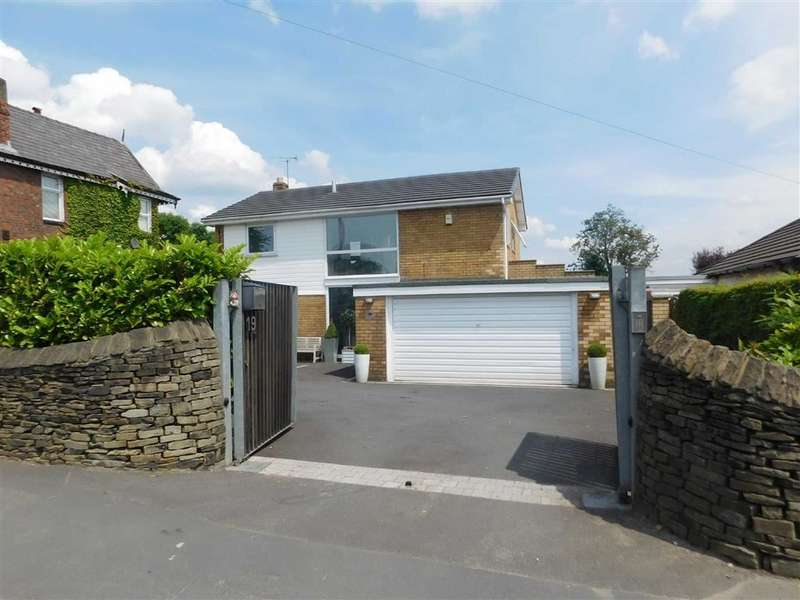 4 Bedrooms Detached House for sale in Barrack Hill, Romiley, Stockport