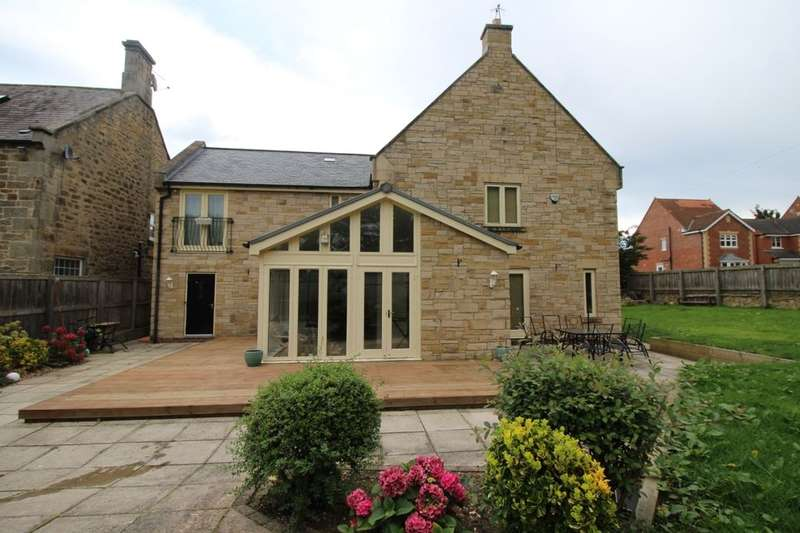 6 Bedrooms Detached House for sale in Broomhouse Farm Court, Prudhoe, NE42