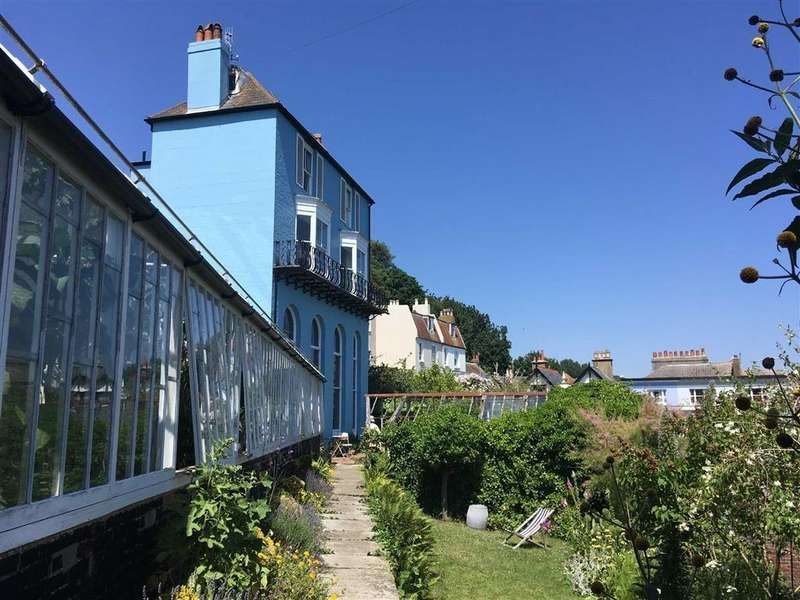 4 Bedrooms Detached House for sale in Cobourg Place, Hastings