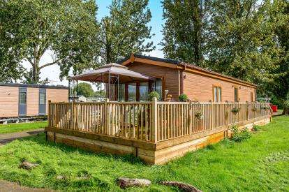 2 Bedrooms Mobile Home for sale in Mallard View, Billing Aquadrome, Crow Lane, Northampton