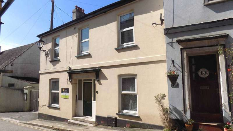 4 Bedrooms End Of Terrace House for sale in Fore Street, Millbrook