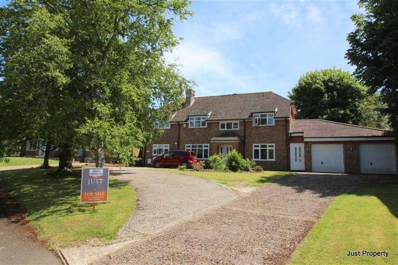 5 Bedrooms Detached House for sale in Denehurst Gardens, Hastings
