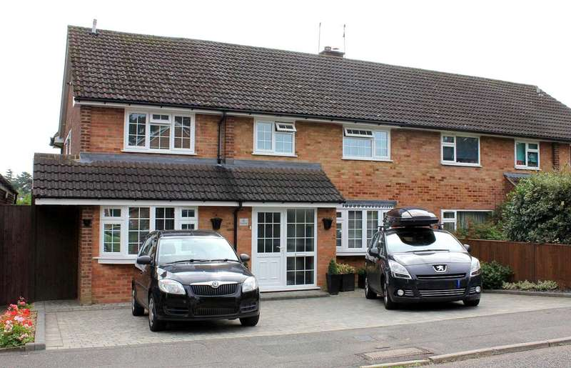 5 Bedrooms Semi Detached House for sale in SPACIOUS 5 BEDROOM SEMI-DETACHED FAMILY HOME in HP1