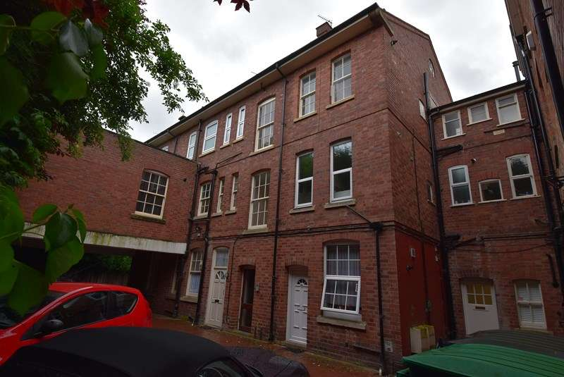 1 Bedroom Flat for sale in St. Andrews Road, Droitwich