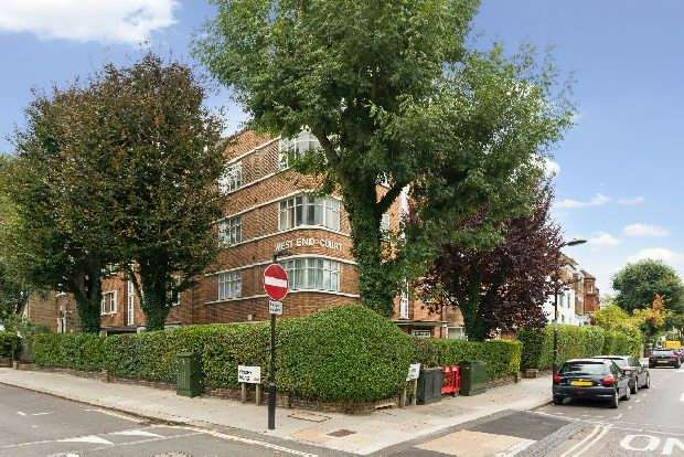 2 Bedrooms Flat for sale in West End Court, Priory Road, South Hampstead, NW6
