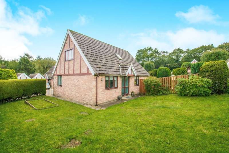 3 Bedrooms Detached House for sale in Heol Trecastell, Caerphilly