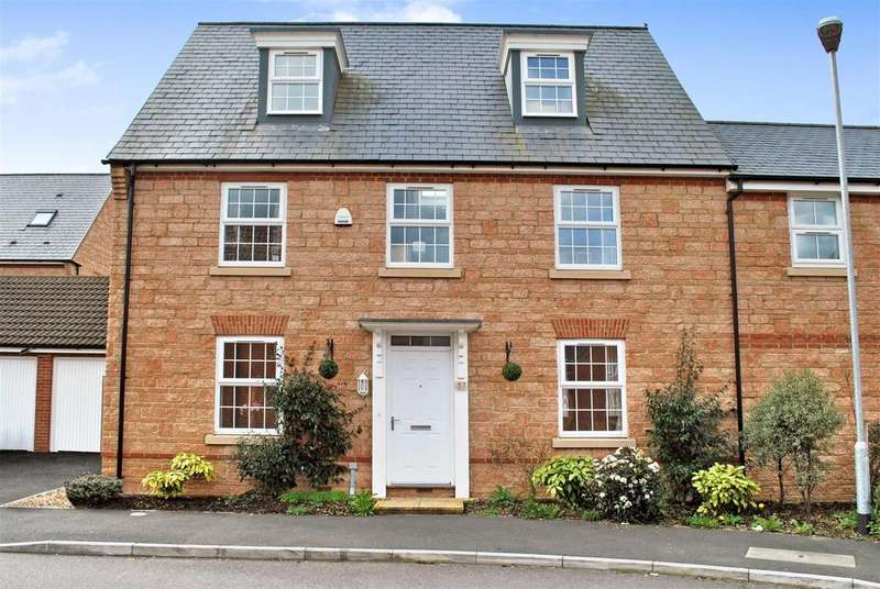 5 Bedrooms Semi Detached House for sale in Norton Fitzwarren