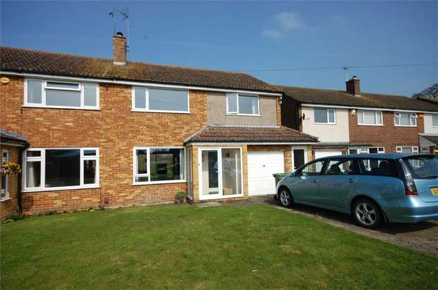 3 Bedrooms Semi Detached House for sale in Richmond Road, Aylesbury, Buckinghamshire