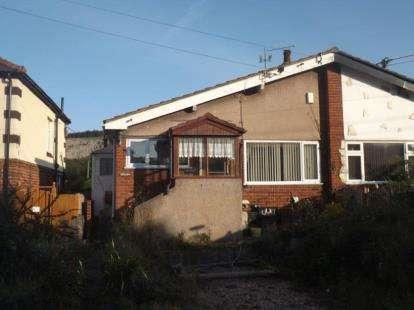2 Bedrooms Bungalow for sale in Pencoed Road, Llanddulas, Abergele, Conwy, LL22