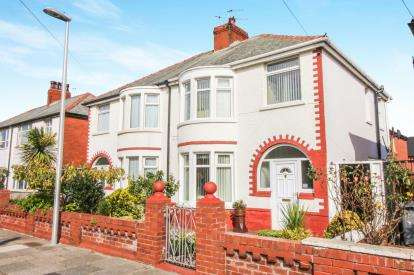 3 Bedrooms Semi Detached House for sale in Rosebank Avenue, Blackpool, Lancashire, ., FY4