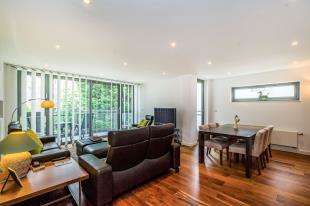 3 Bedrooms Flat for sale in Visage, 54 Palmeira Avenue, Hove, East Sussex