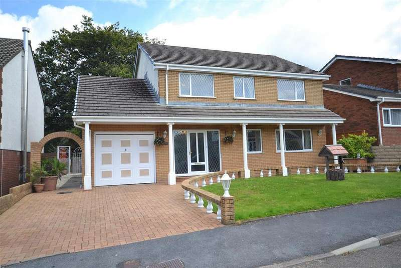 4 Bedrooms Detached House for sale in Cross Hands