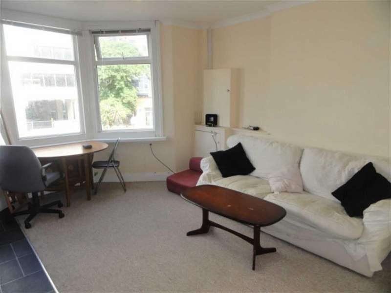6 Bedrooms House for rent in Holdenhurst Road, STUDENTS Lansdowne, Bournemouth, Dorset, BH8