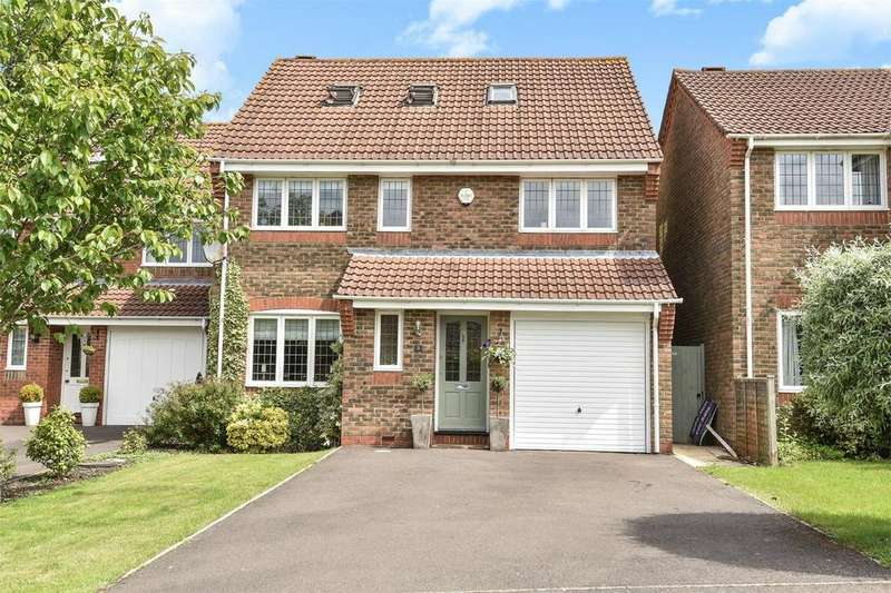 5 Bedrooms Detached House for sale in Horton Heath, Hampshire