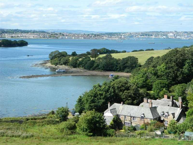 3 Bedrooms Semi Detached House for sale in Lower Anderton, Millbrook Torpoint, Cornwall, PL10
