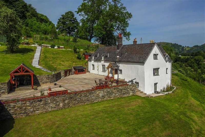 5 Bedrooms Detached House for sale in Holyhead Road, Llangollen
