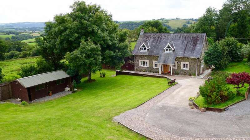 5 Bedrooms Detached House for sale in Llanfynydd, Carmarthen