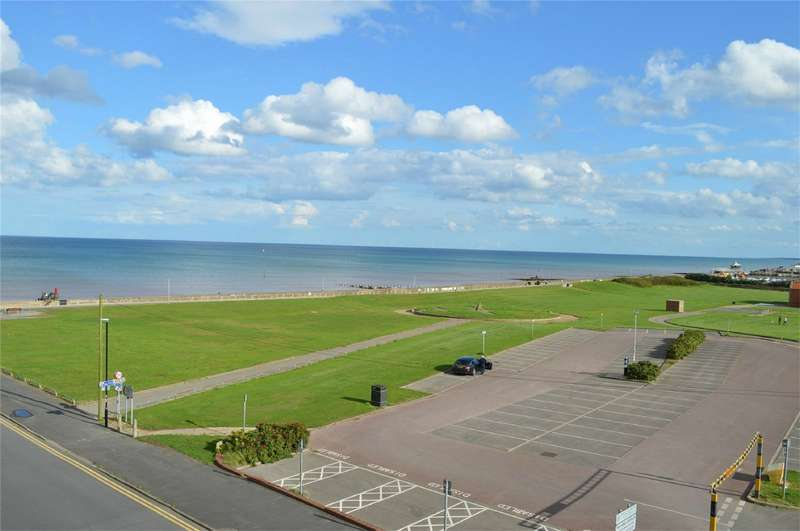 2 Bedrooms Flat for sale in The Strand Suite, Broadway House, Hornsea, East Riding of Yorkshire
