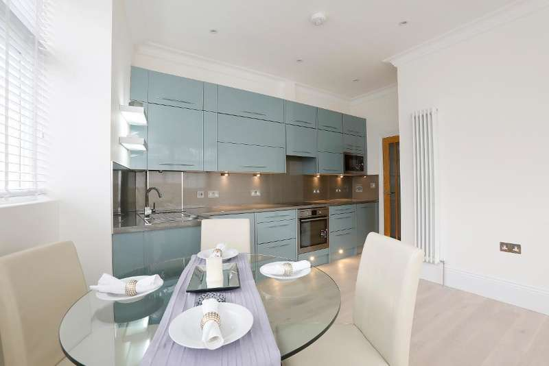 2 Bedrooms Flat for sale in Sydenham Road, Lower Sydenham, London, SE26 5EW