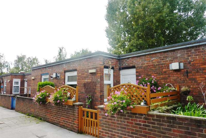 1 Bedroom Flat for sale in Macaulay Way, Thamesmead, London, SE28 8BN