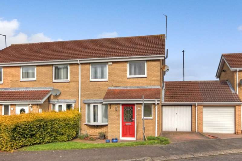3 Bedrooms Semi Detached House for sale in Dereham Court, Meadow Rise, Newcastle Upon Tyne, NE5