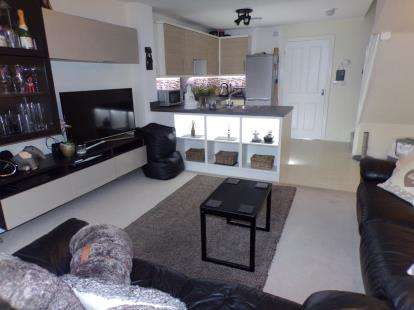 2 Bedrooms Terraced House for sale in Elter Close, Willenhall, West Midlands