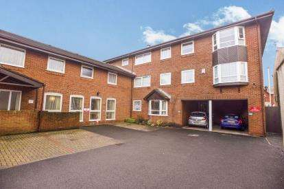 1 Bedroom Flat for sale in Priory Court, Blackpool, Lancashire, Uk, FY1