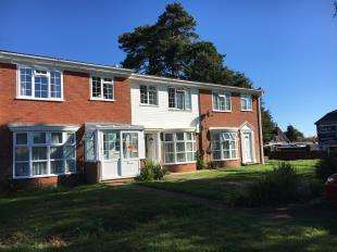 3 Bedrooms Terraced House for sale in Pinewood Gardens, Bognor Regis, West Sussex