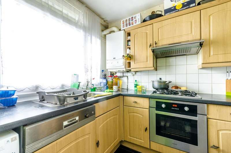 3 Bedrooms Flat for sale in Caspian Street, Camberwell, SE5