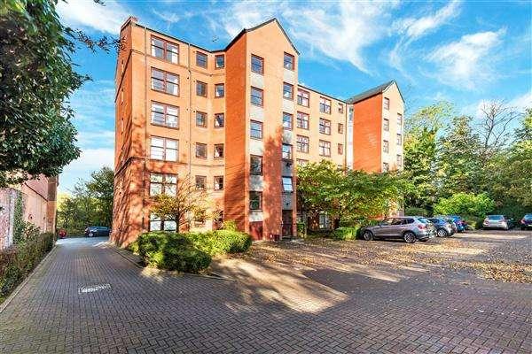 2 Bedrooms Flat for rent in 249 Garrioch Road, Botanics, Glasgow, G20 8QZ