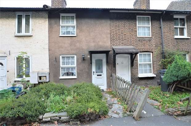 2 Bedrooms Terraced House for sale in Cross Road, Croydon