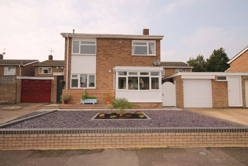 3 Bedrooms Detached House for sale in Morland Way, Manton Heights, Bedford, MK41