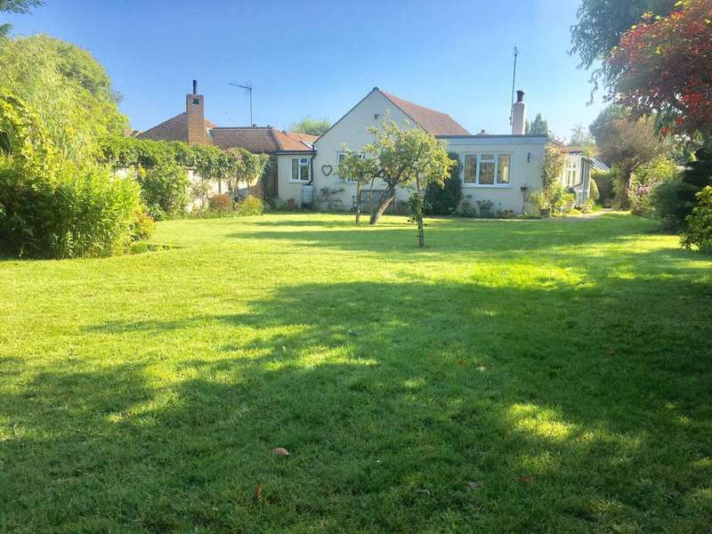 4 Bedrooms Bungalow for sale in Alexandra Road, Whitstable, CT5