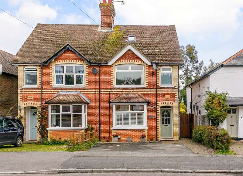 4 Bedrooms Semi Detached House for sale in Chiddingfold