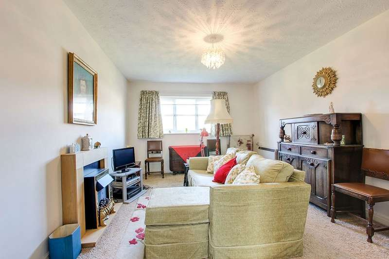2 Bedrooms Flat for sale in Kingfisher Mews, Poulton-Le-Fylde, FY6