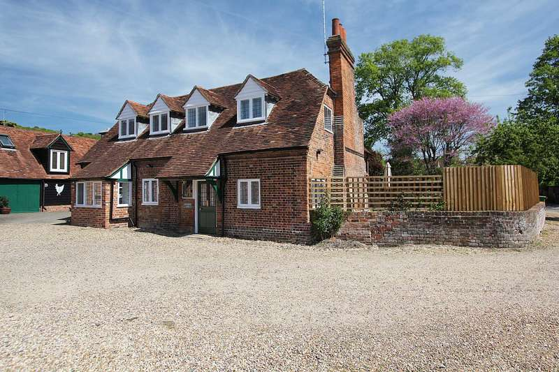 6 Bedrooms Detached House for sale in Whitchurch On Thames, (Nr Pangbourne) Oxfordshire