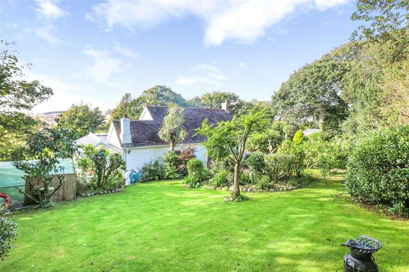 3 Bedrooms Detached Bungalow for sale in Old Falmouth Road, Truro