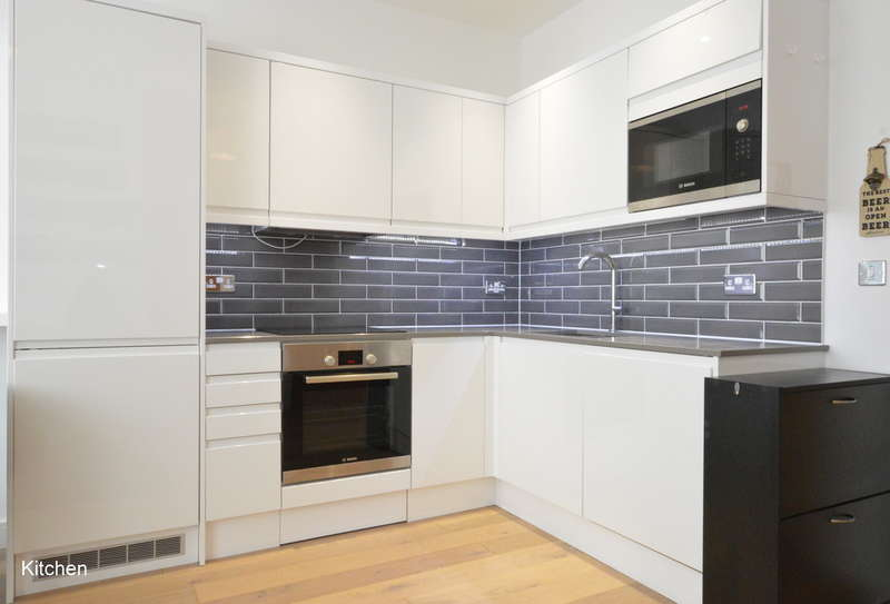 1 Bedroom Ground Flat for sale in Bell Street, Reigate