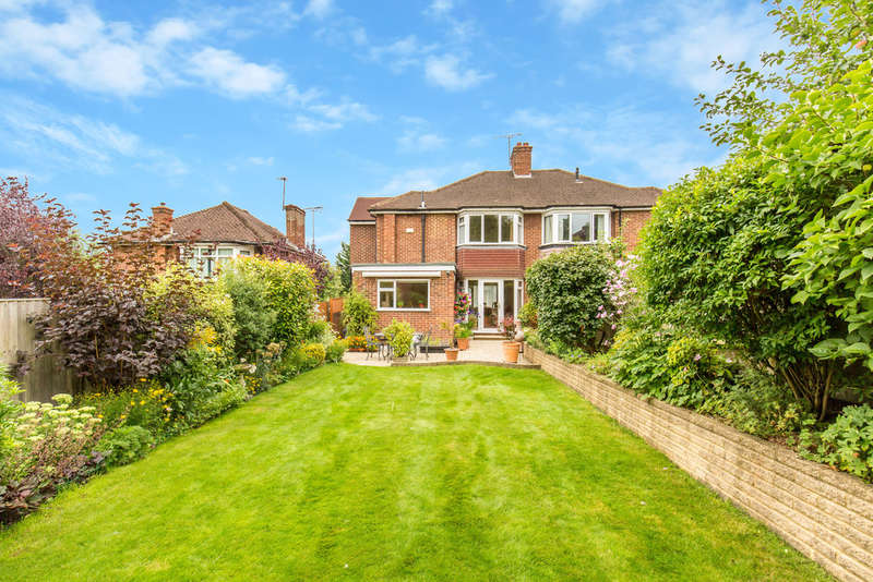 4 Bedrooms Semi Detached House for sale in Dalegarth Gardens, Purley, CR8 1EH