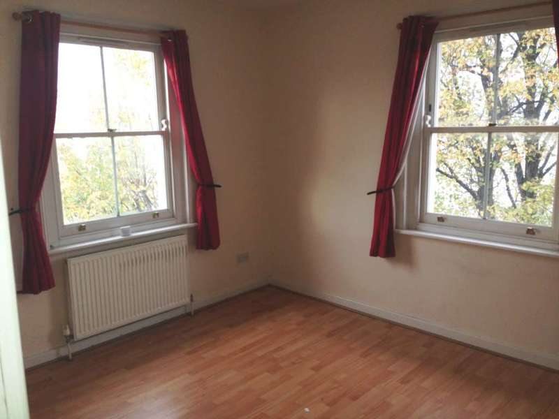 2 Bedrooms Apartment Flat for sale in Lansdowne Square, Northfleet