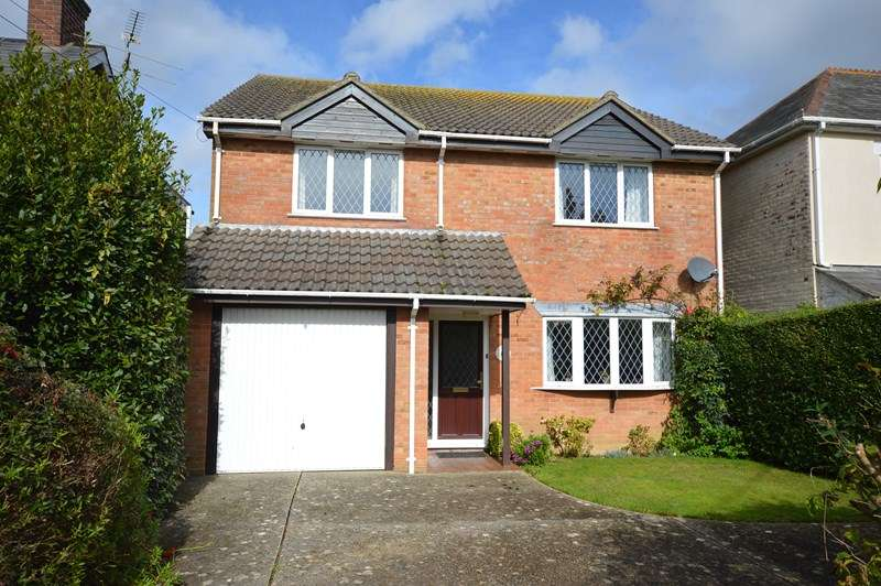 4 Bedrooms Detached House for sale in Ashley Lane, Hordle, Lymington