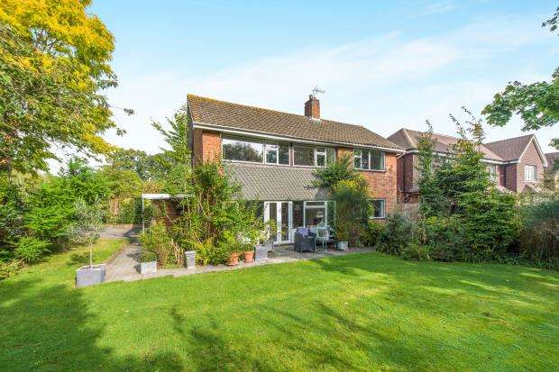 4 Bedrooms House for sale in Worcester Park, Surrey, .