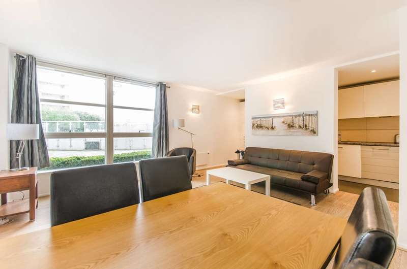 2 Bedrooms Flat for sale in Blackwall Way, Canary Wharf, E14