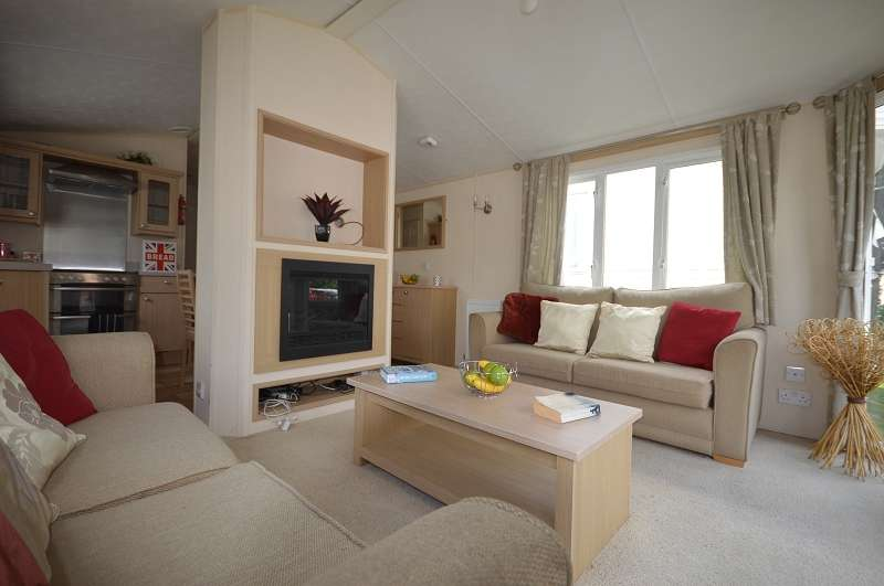 2 Bedrooms Mobile Home for sale in Coghurst Hall Holiday Park, Hastings, East Sussex, TN35 4NP