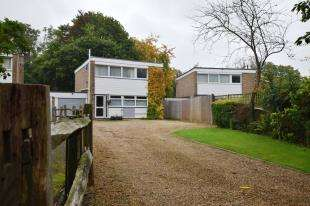 3 Bedrooms Detached House for sale in Little London Road, Cross In Hand, Heathfield, East Sussex
